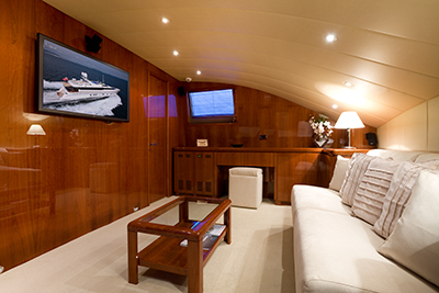 Yacht BOJANGLES -  TV Room Convertible to Double Cabin