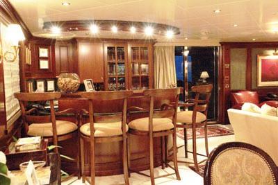 Yacht Big Aron Bar
