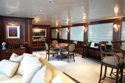 Yacht Big Aron Salon