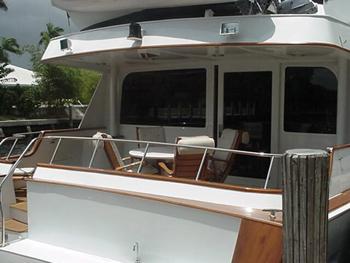 Yacht CAPTIVATOR - Aft Deck