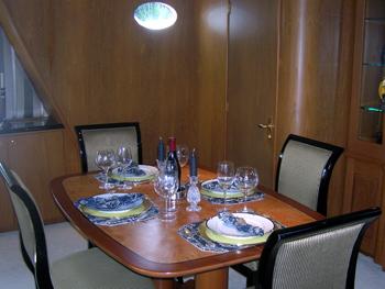 Yacht CAPTIVATOR - Dining