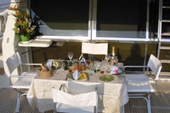 Yacht CATHERINES -  Aft Deck Al Fresco Dining