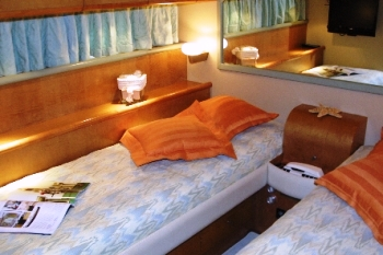 Yacht CATHERINES -  Twin Cabin