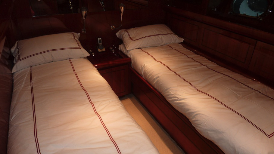 Yacht CLAN V - Twin Cabin