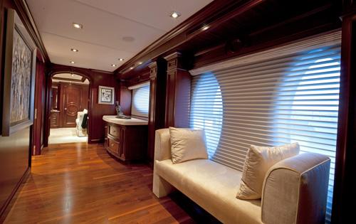 Yacht COCKTAILS -   Master Cabin Hallway