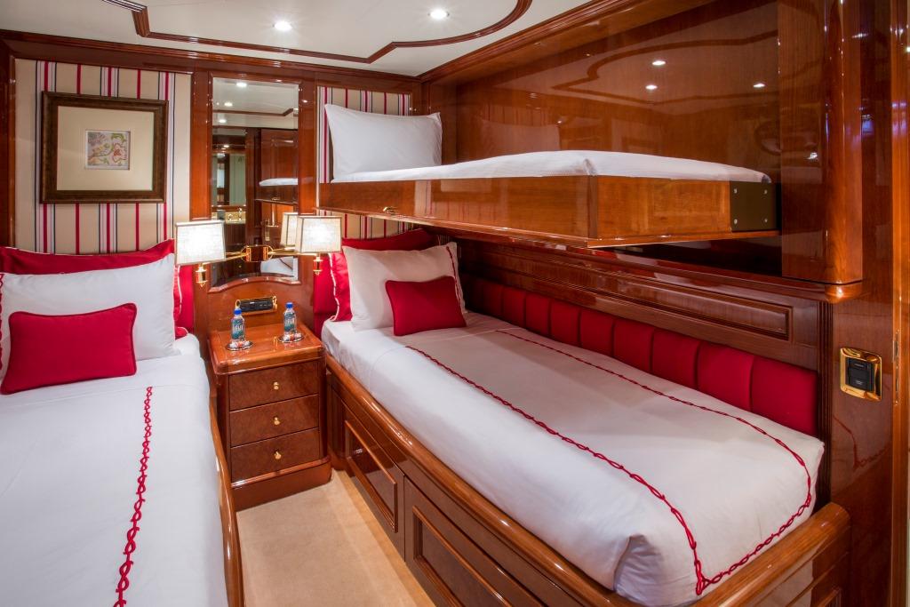 Yacht Camarina Royale -  Twin Cabin