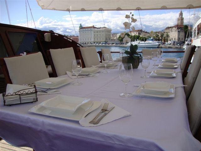 Yacht ELEGANZA -  Al Fresco Dining