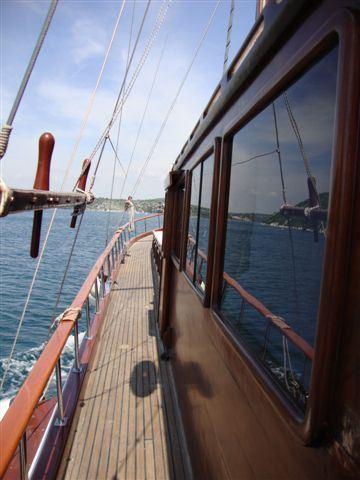 Yacht ELEGANZA -  Side Deck