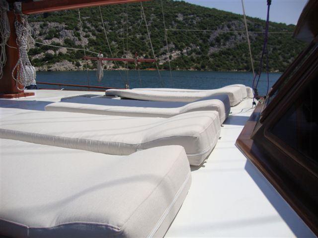 Yacht ELEGANZA -  Sunpads