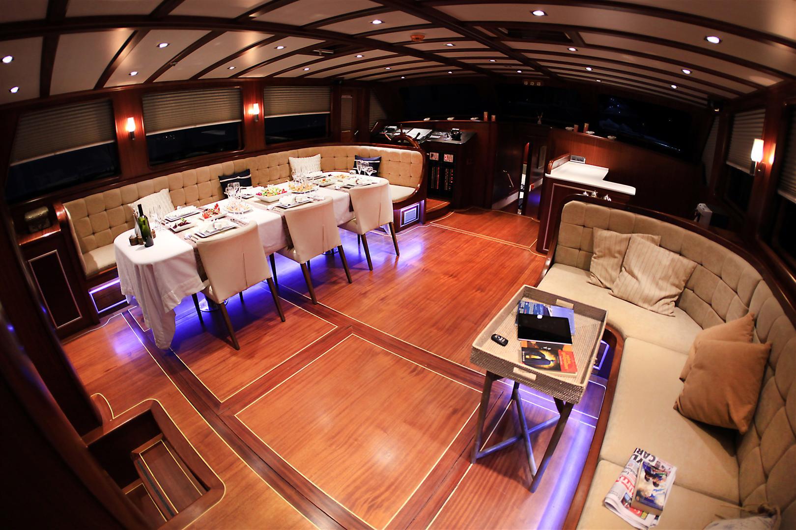 Yacht ESTRELLA DE MAR - Main Salon