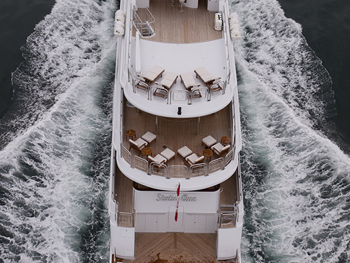 Yacht EXCELLENCE -  Decks from above