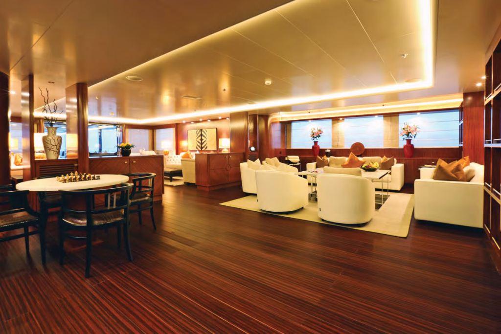Yacht FAMILY DAY -  Main Salon 2
