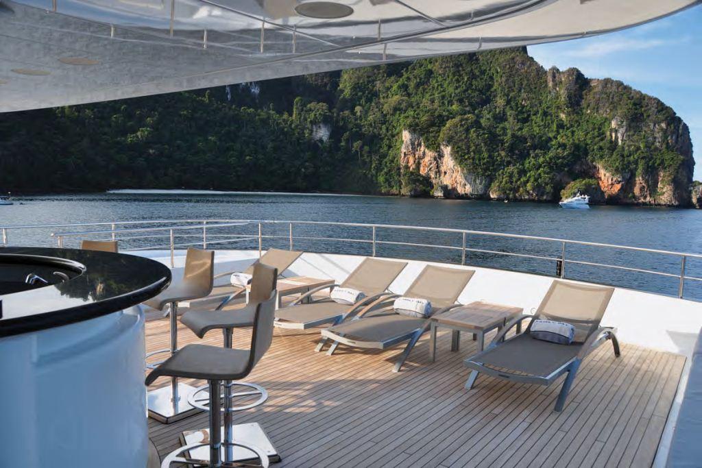 Yacht FAMILY DAY -  Sundeck Sunbeds