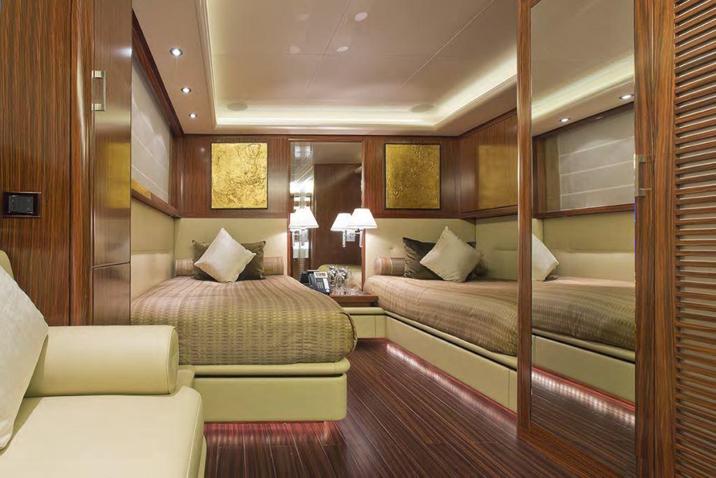 Yacht FAMILY DAY -  Twin Cabin