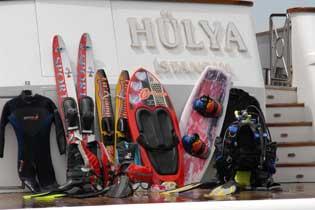 Yacht HULYA - Toys on Swimdeck