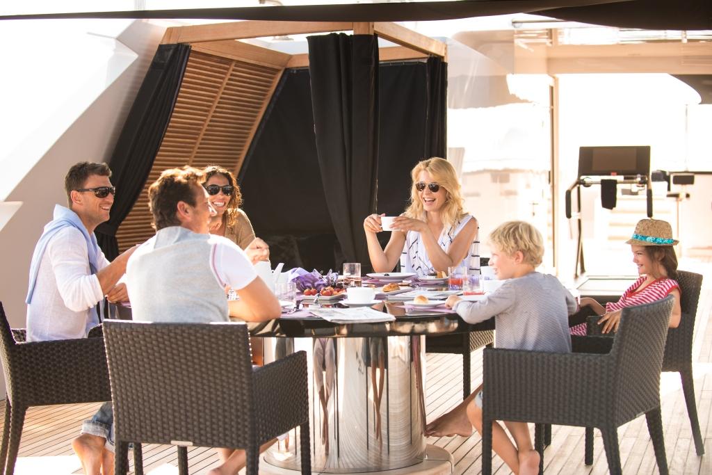 Yacht IDOL -  Sundeck Dining