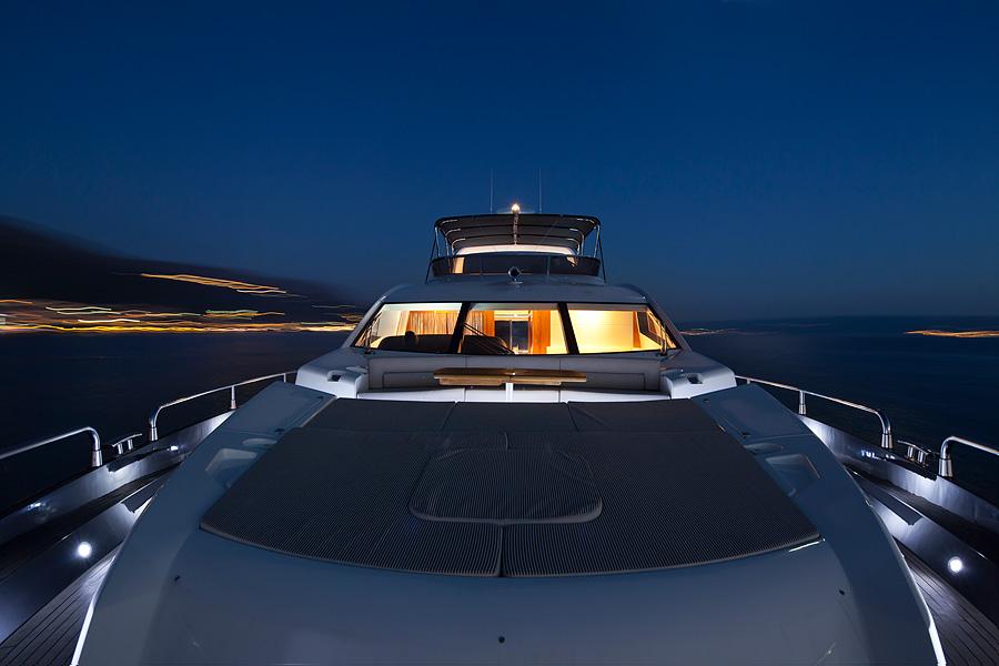 Yacht IMAI -  Foredeck