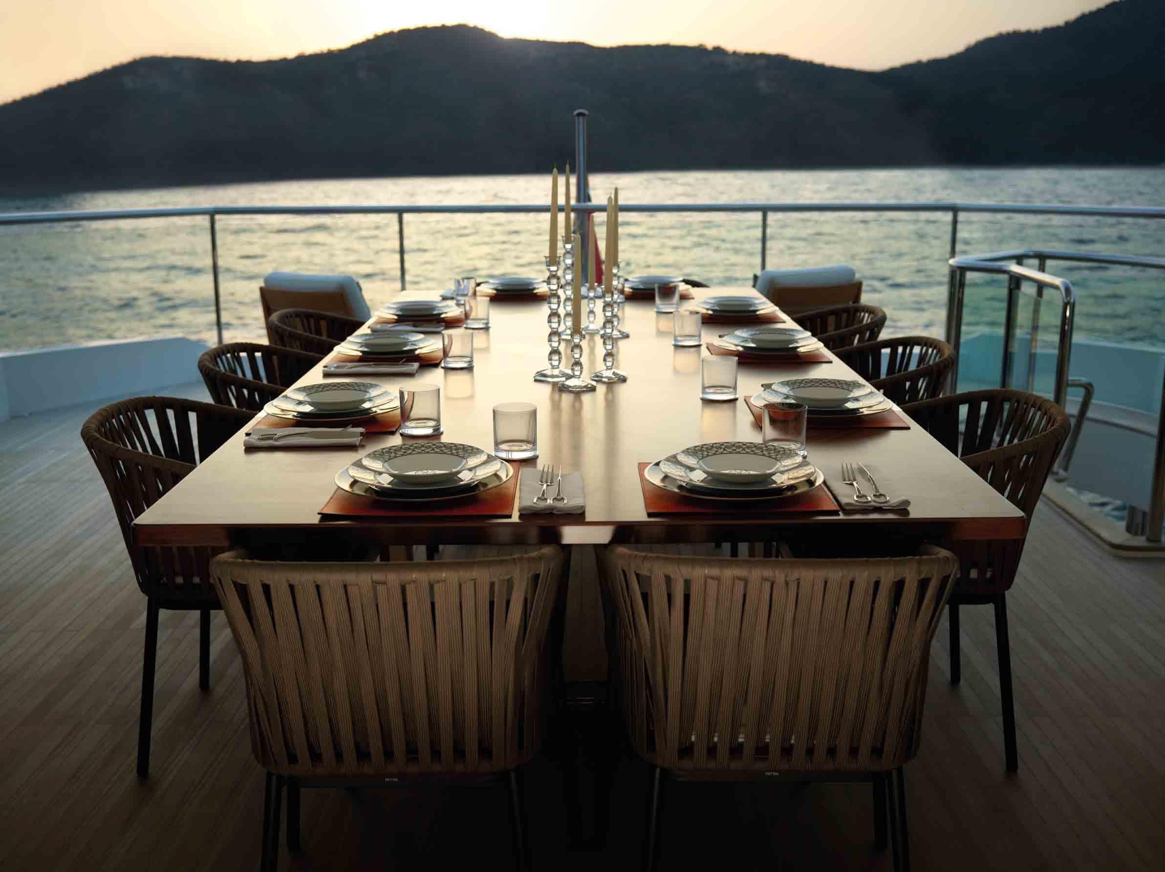 Yacht IMPERIAL PRINCESS -  Bridge deck Dining