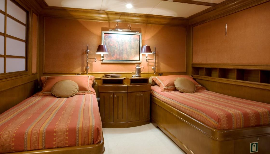 Yacht INSIGNIA - Twin Cabin