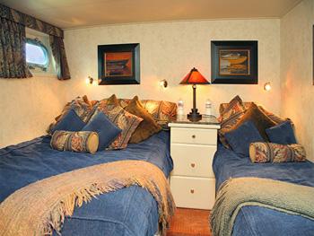 Yacht KAYANA -  Guest Cabin