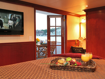 Yacht KAYANA -  Sky Master Suite French Doors