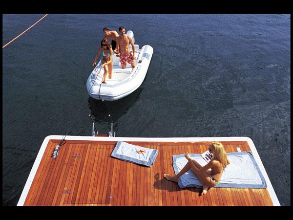 Yacht KINTARO - Swim Platform