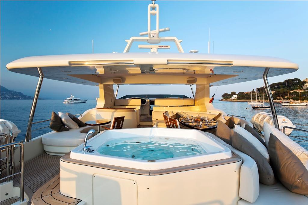 Yacht LA DEA -  Spa Pool on Sundeck
