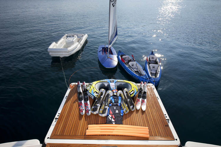 Yacht LA MASCARADE -  Tender and Toys