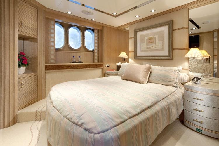 Yacht LA MASCARADE -  VIP Cabin