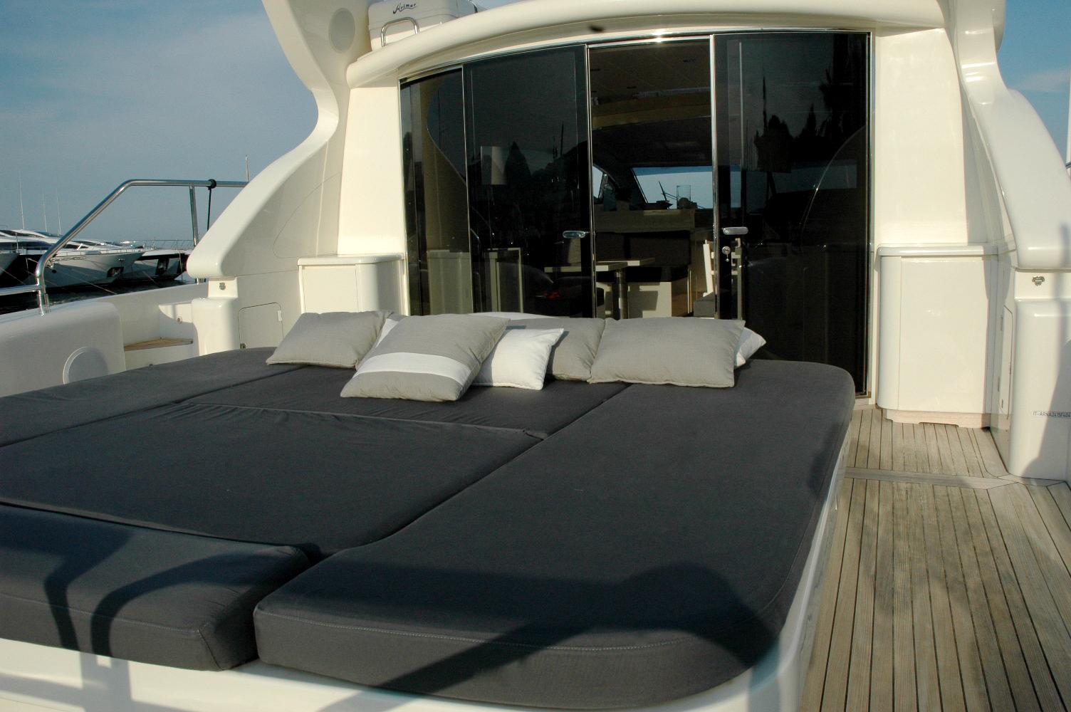Yacht LAST CHANCE -  Aft Deck Sunpads