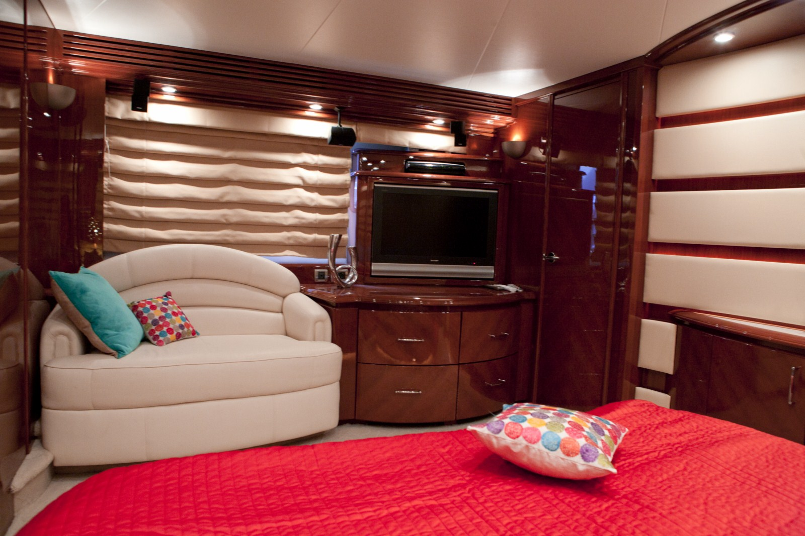 Yacht LUDI -  Master Cabin View 2