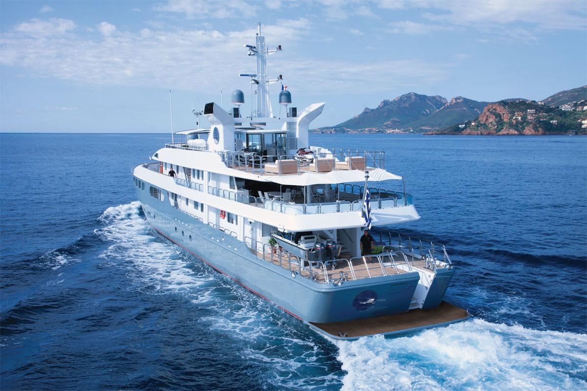 Yacht MAGNA GRECIA -  Aft View