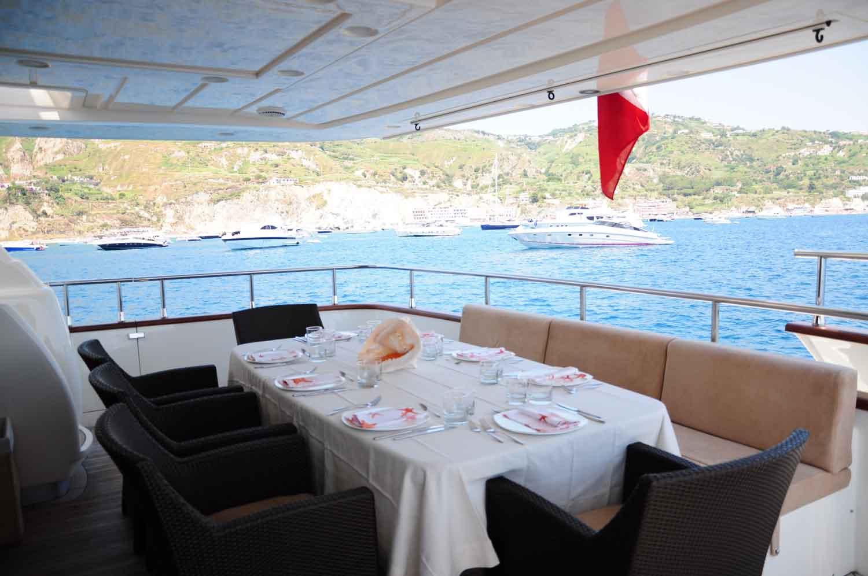 Yacht MALO -  Aft Deck Al fresco