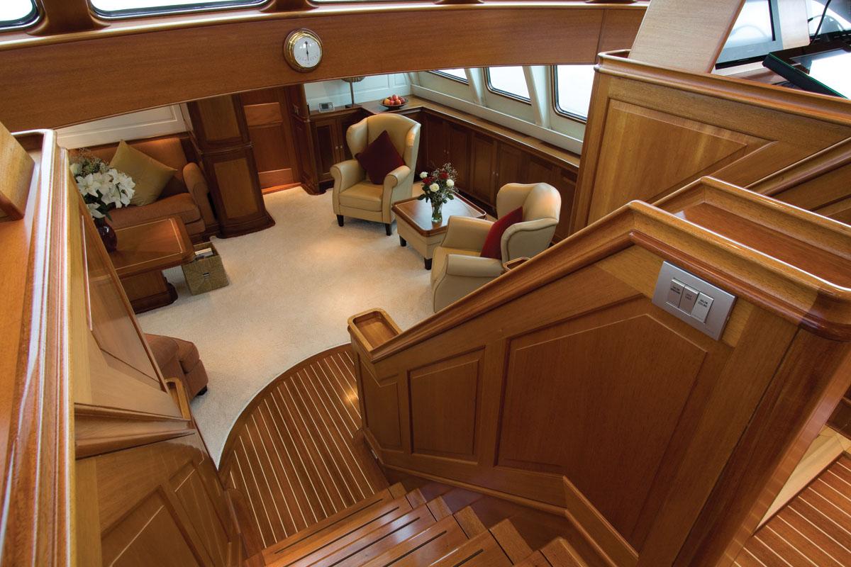 Yacht MARFLOW - Lower Salon