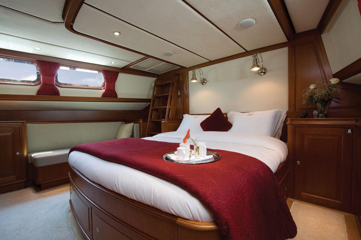 Yacht MARFLOW - Master Cabin