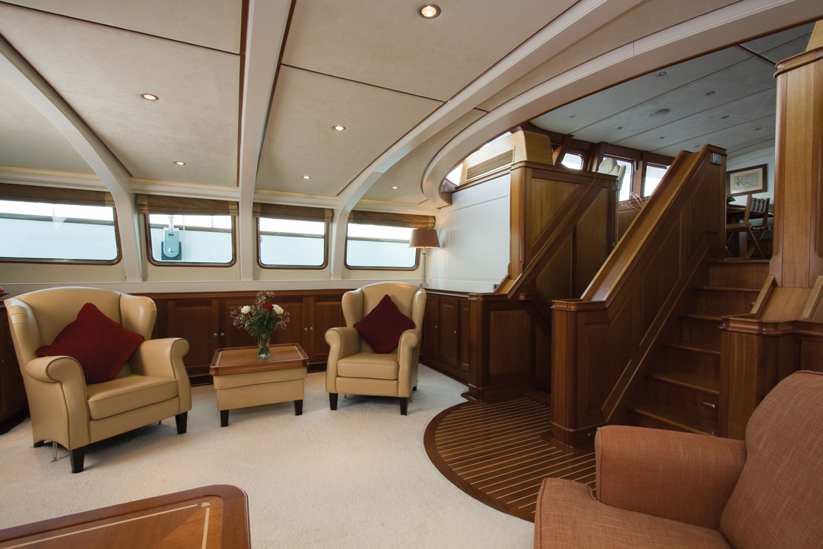 Yacht MARFLOW - Salon Seating