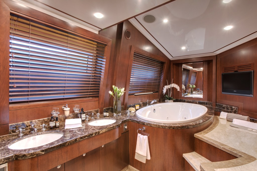 Yacht MASTEKA 2 -  Master Bathroom 2