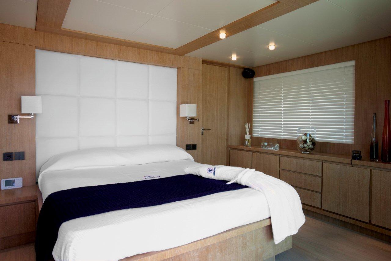 Yacht MASTIFF -  Master Cabin
