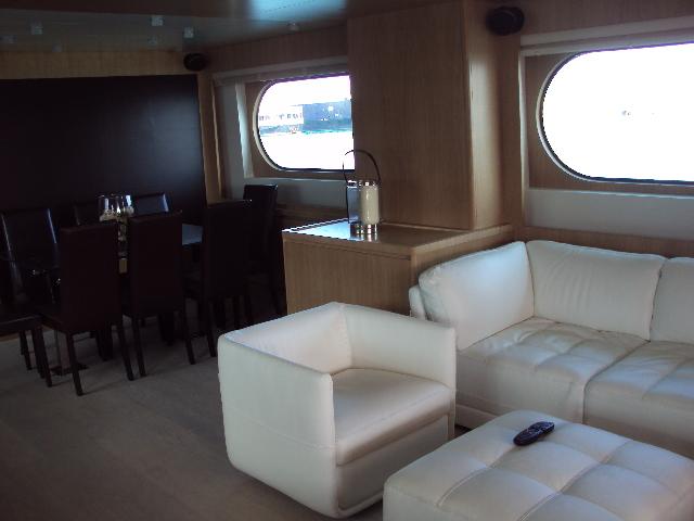 Yacht MASTIFF -  Salon and Dining