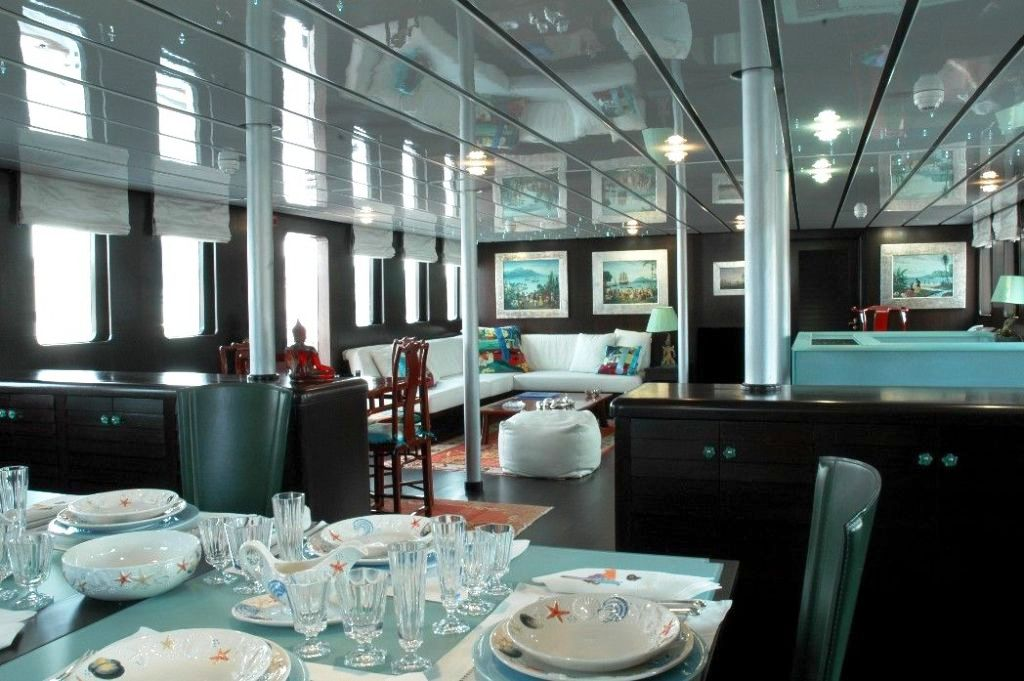 Yacht MATA MUA - Saloon