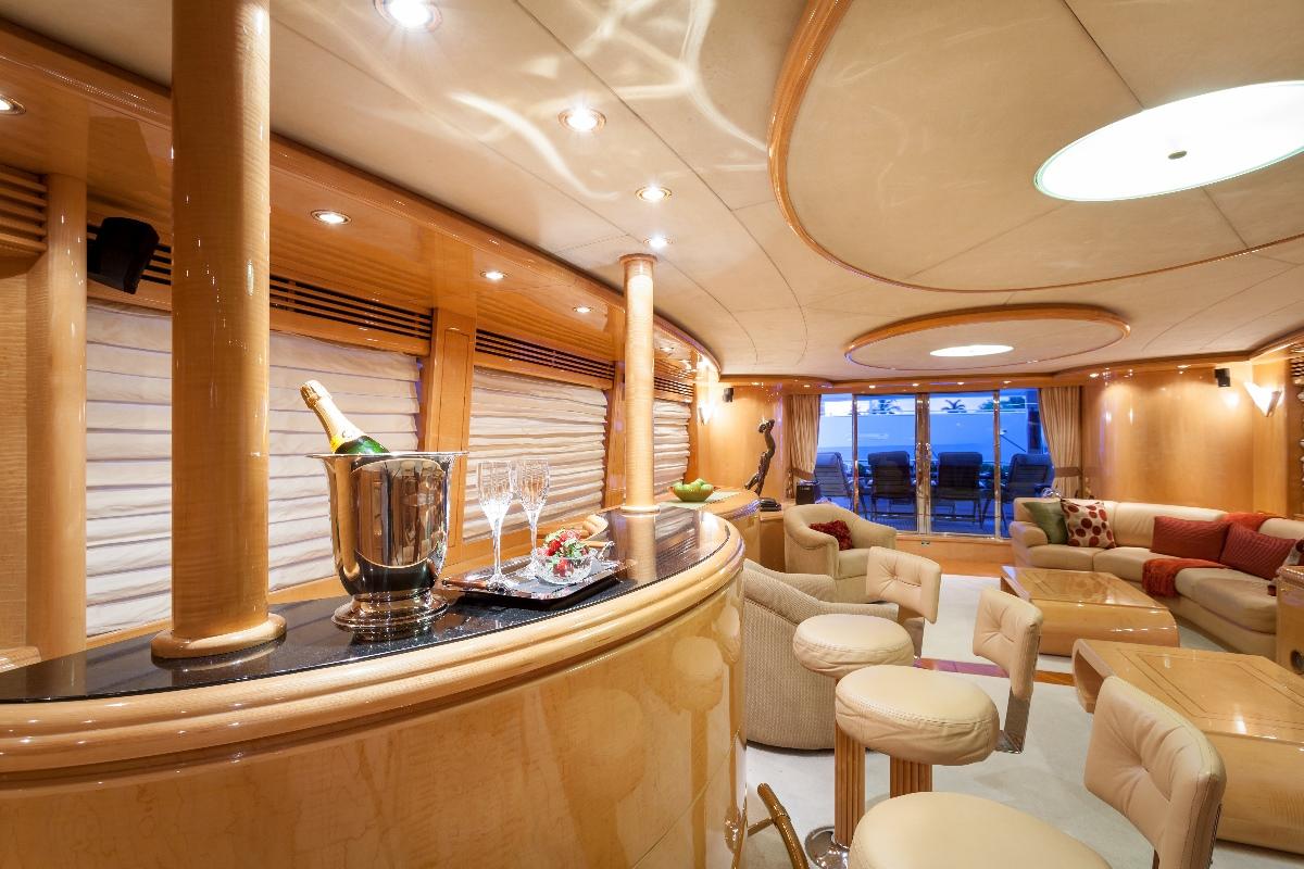Yacht MIRACLE - Main Salon Bar
