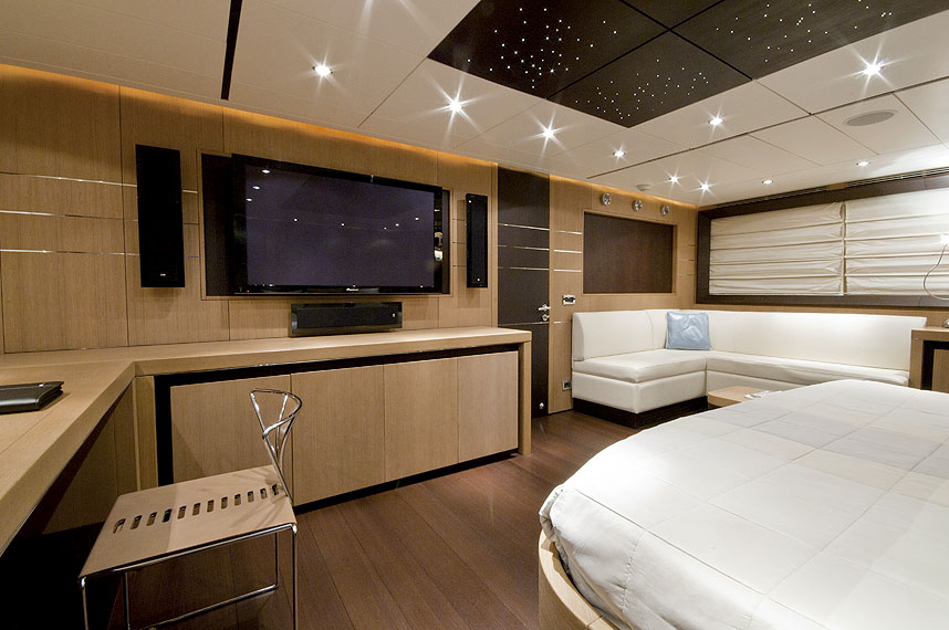 Yacht MISTRAL 55 -  Master Cabin View 2
