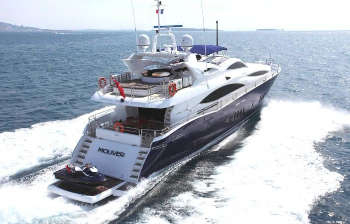 Yacht MOLIVER -  Aft View