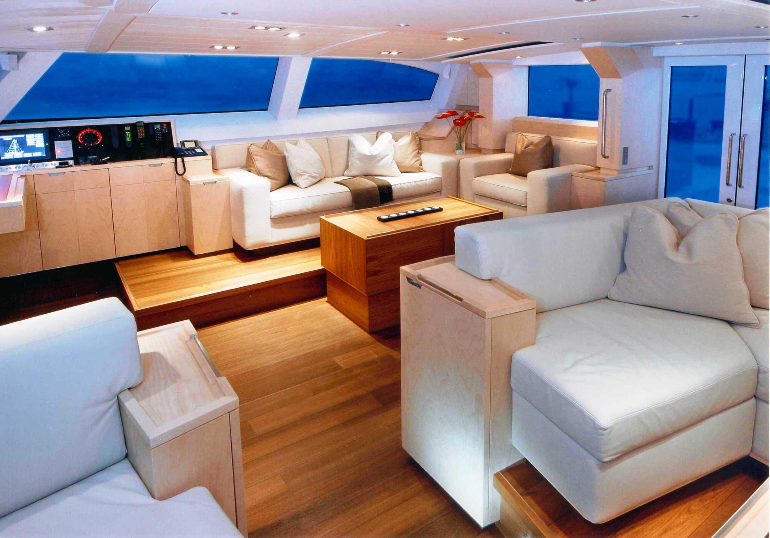 Yacht NELSON - Saloon2