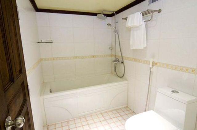 Yacht OCEAN SAPPHIRE -  Double Cabin Bathroom