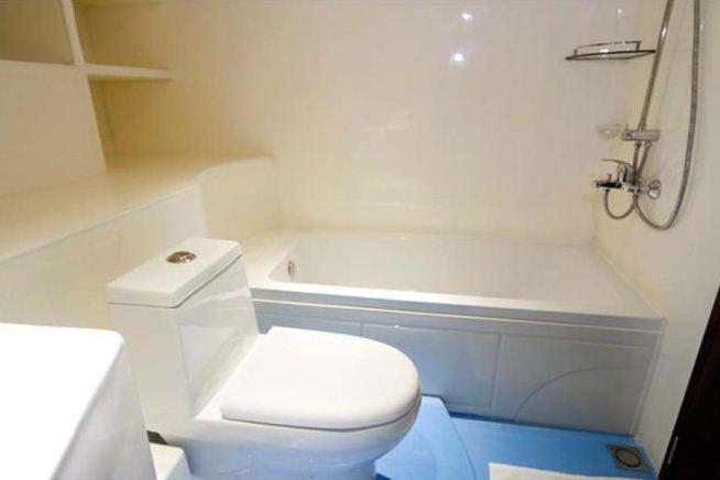 Yacht OCEAN SAPPHIRE -  Family Cabin Bathroom