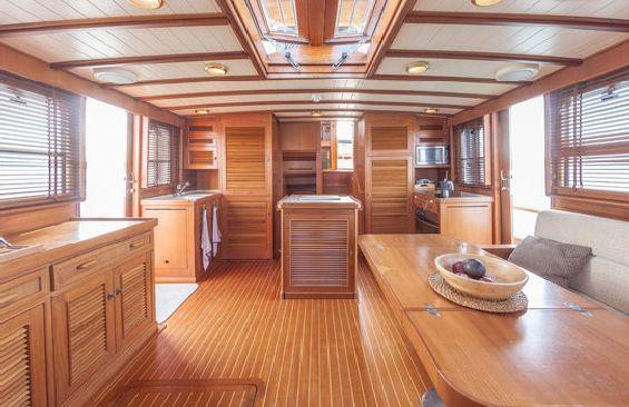 Yacht OLD DREAM -  Main Salon