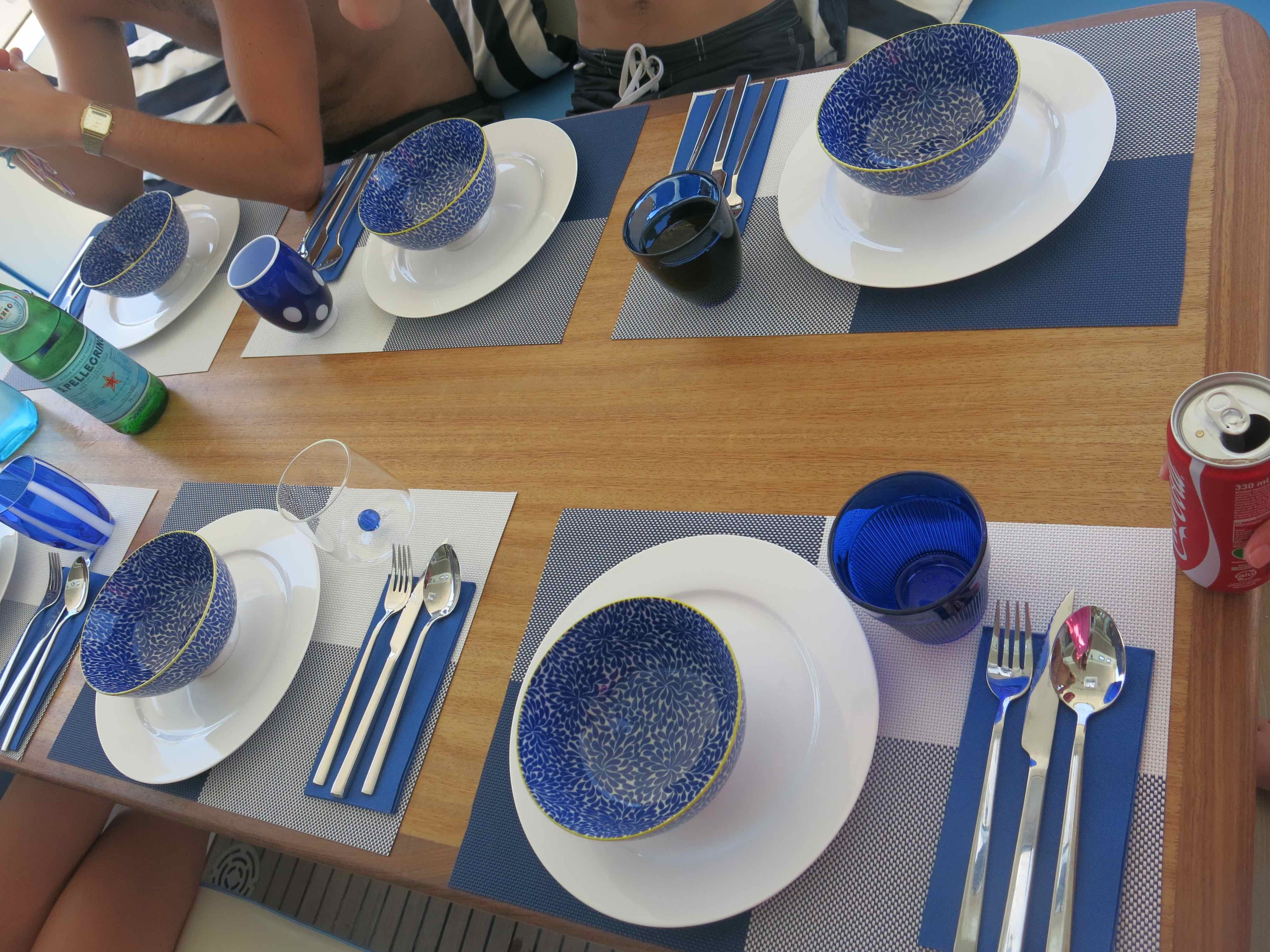 Yacht OMBRE BLU - Table scaping 2