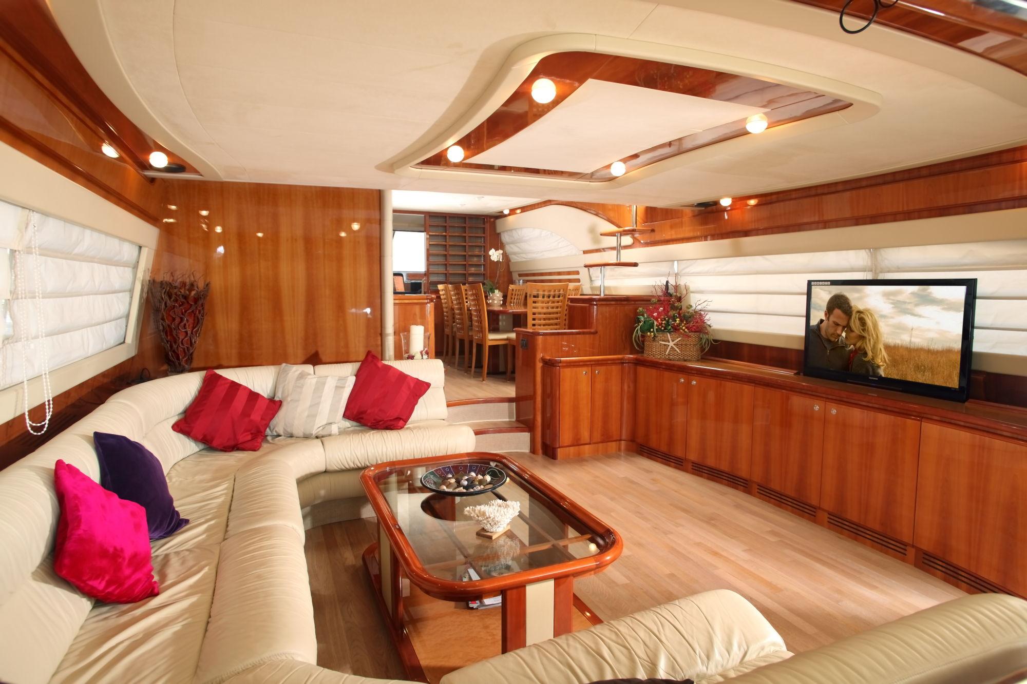 Yacht PAMPERO -  Salon