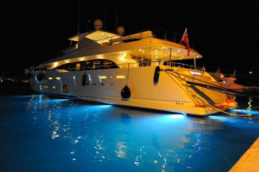 Yachts At Night Yacht ROBUSTO, ...